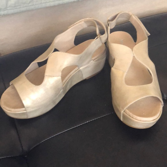 22eec880a32 Antelope Shoes - Antelope low cutout leather wedge sandal sz 41